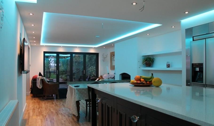 Потолочная подсветка светодиодными лентами